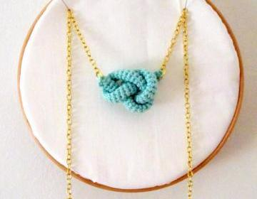 Bonds, crochet knot necklace. Nautical knot. Mint green cotton yarn